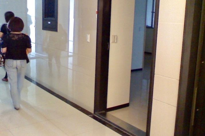 圖片:買屋看風水!容易被輕忽的門沖煞