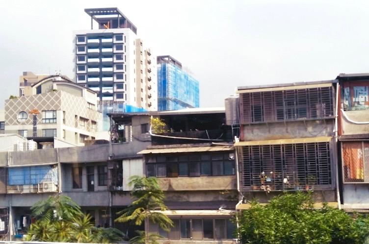 圖片:買市區公寓或市郊大樓?首購族第一次抉擇就上手