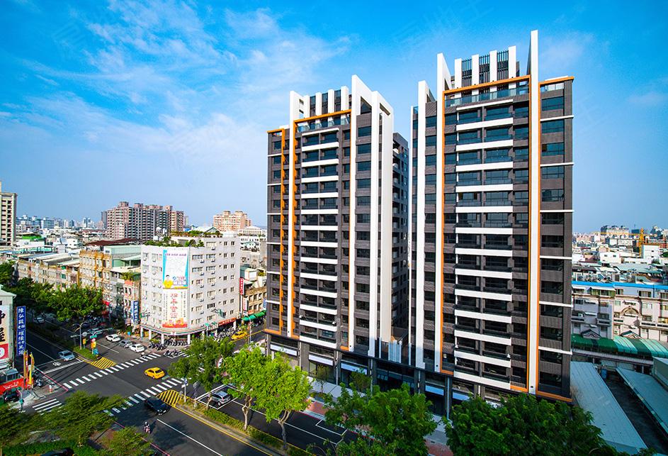 圖片:高雄市前鎮區熱鬧商圈,黃金地段優質大樓